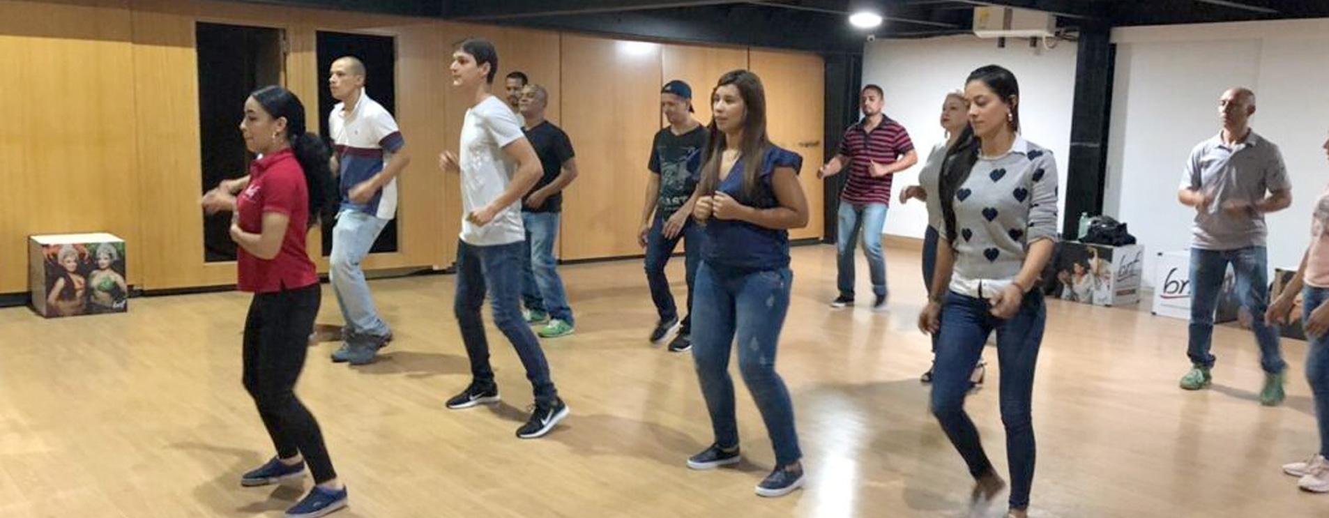 MEDELLIN-DANCE_EXPERIENCE